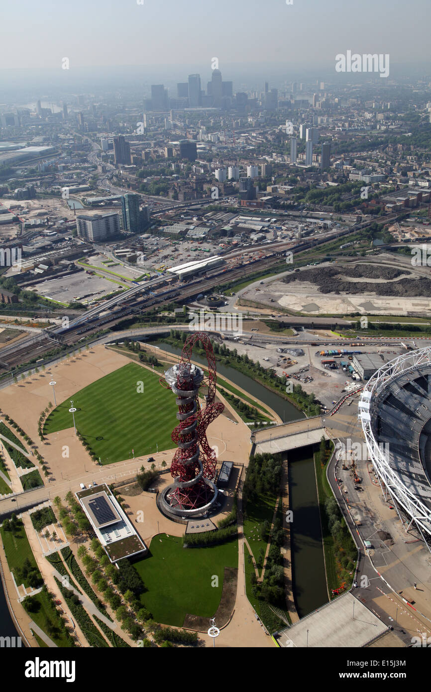 Aerial view of the ArcelorMittal Orbit in the Queen Elizabeth Olympic Park in Stratford, London, UK, Designed by Anish Kapoor - Stock Image
