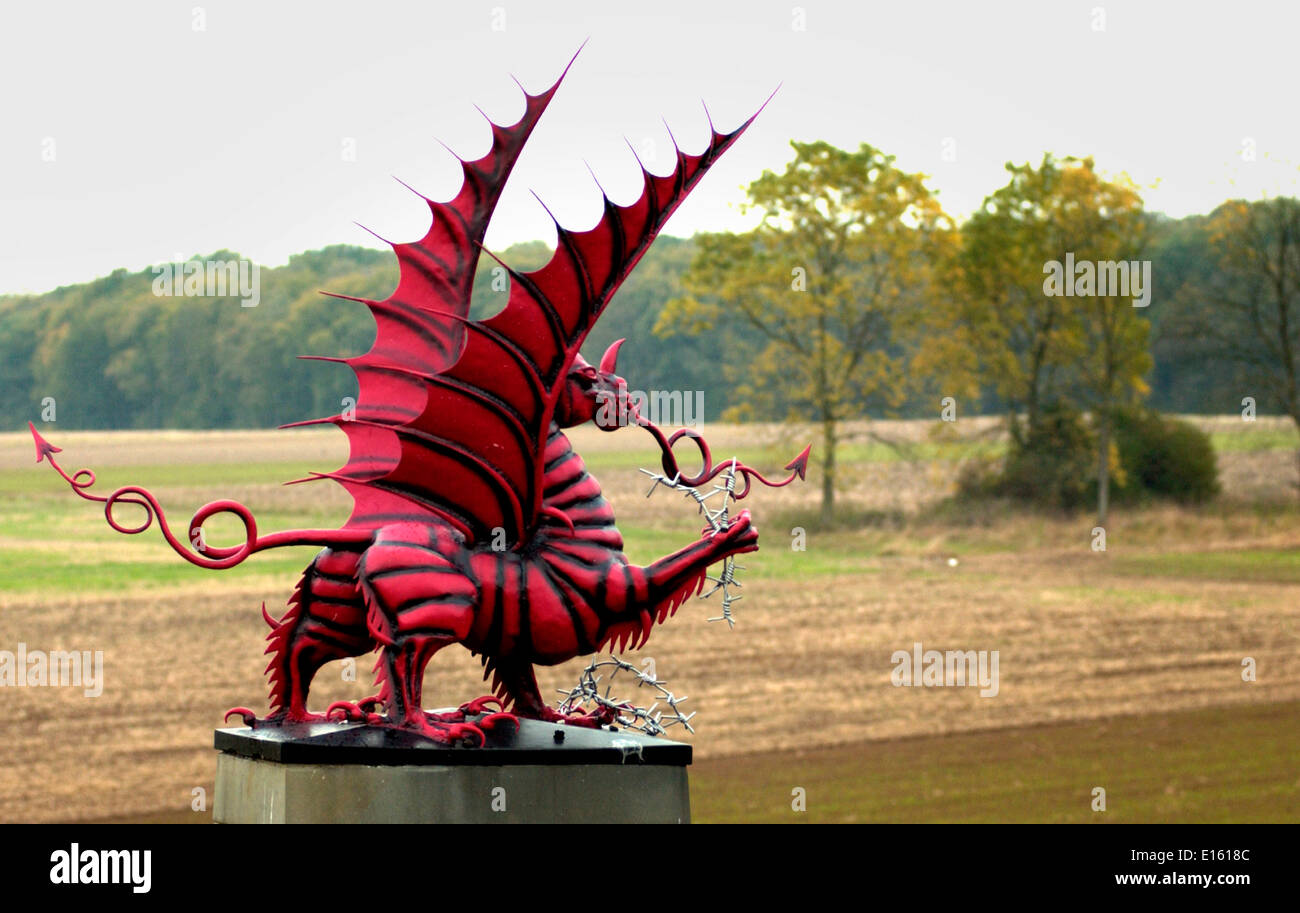 AJAXNETPHOTO. 2005. MAMETZ WOOD,SOMME,PICARDY,FRANCE. - FIRE BREATHING DRAGON MEMORIAL FACING MAMETZ WOOD, TAKEN WITH HEAVY LOSSES BY THE 3RD WELSH DIVISION ON 12 JULY 1916. PHOTO:JONATHAN EASTLAND/AJAX  REF:D52110/646 - Stock Image