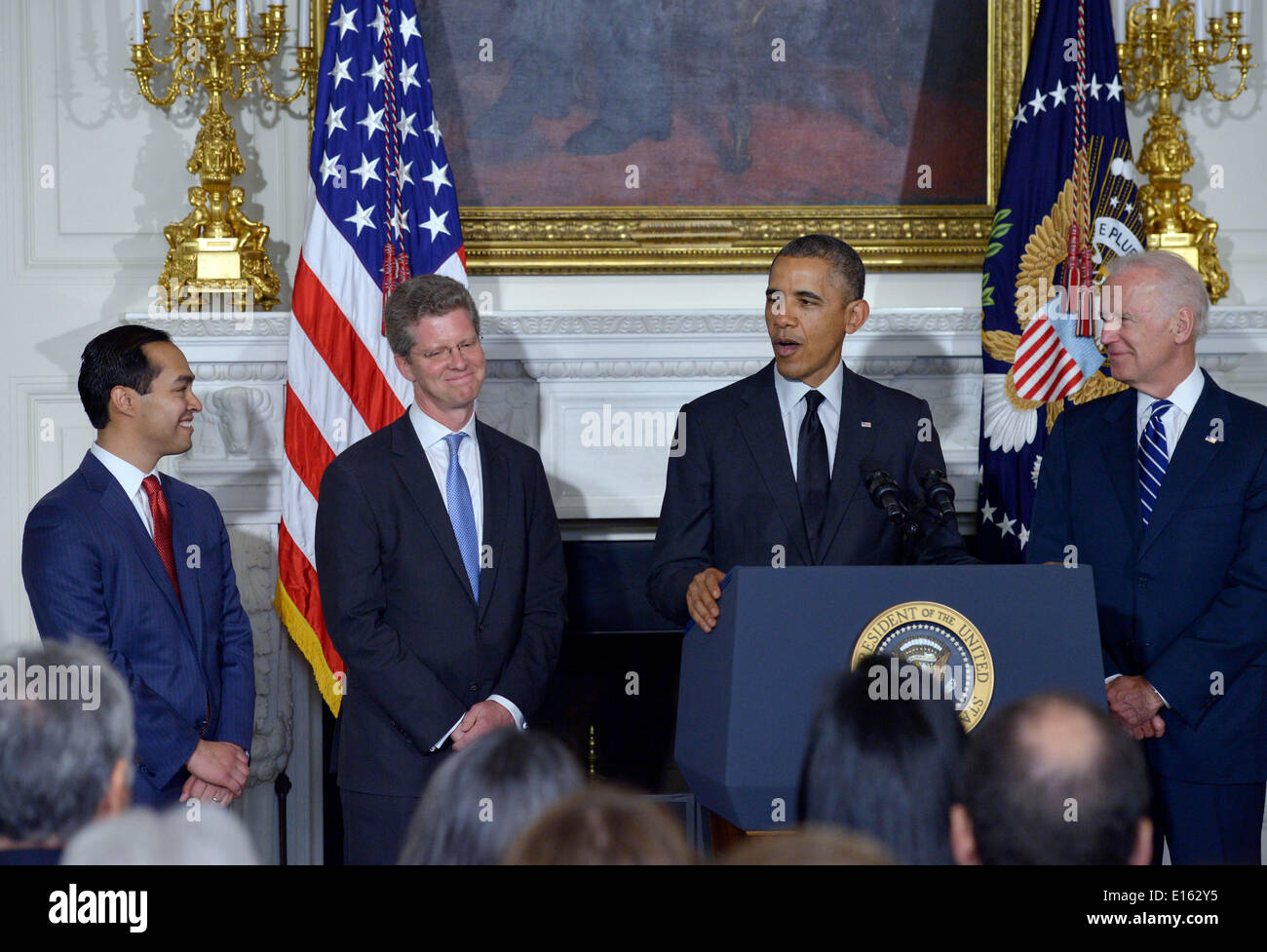 Washington, DC, USA. 23rd May, 2014. U.S. President Barack Obama (2nd R) and Vice President Joe Biden (1st R) attend Stock Photo