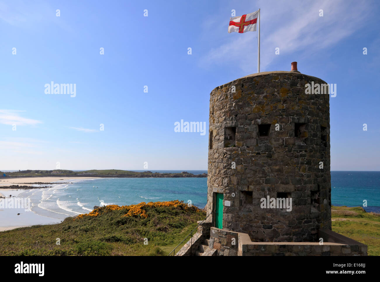 9155. L'Ancress Bay & Watch Tower, Guernsey, Channel Islands, UK, Europe - Stock Image