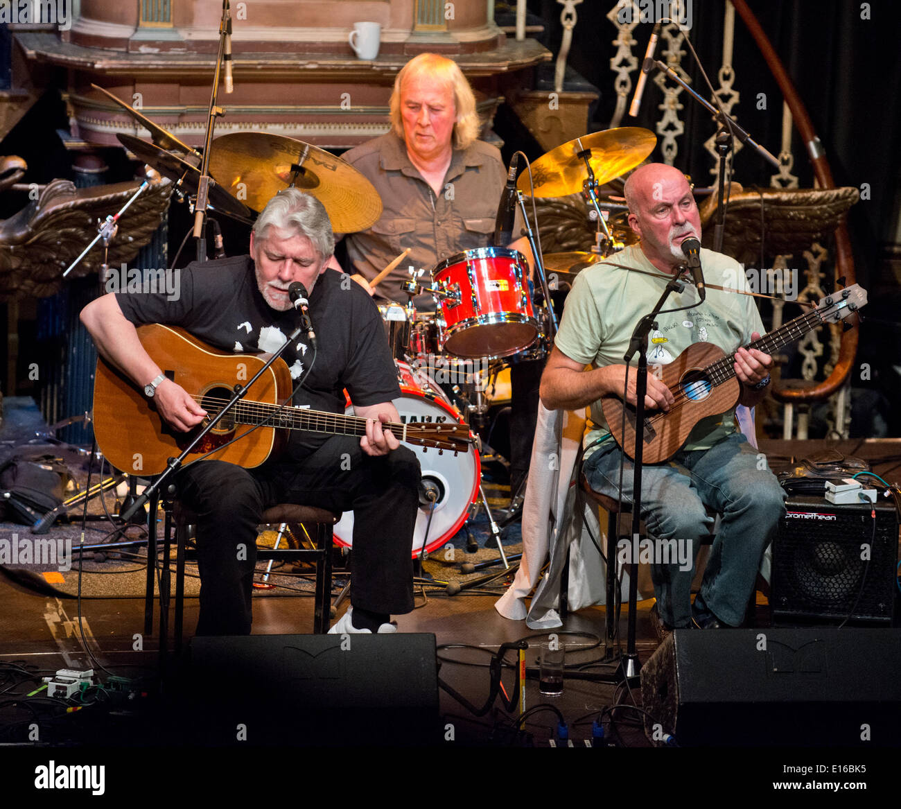 Picture By: Charlie Bryan Picture :Worcester UK : Fairport Convention, Simon Nicol,Dave Pegg,Gerry Conway,Chris Leslie and Ric Sanders,performing at Worcesters Huntington Hall, during their 'Semi Acoustic UK Tour'. Date  23/05/2014 Ref: - Stock Image