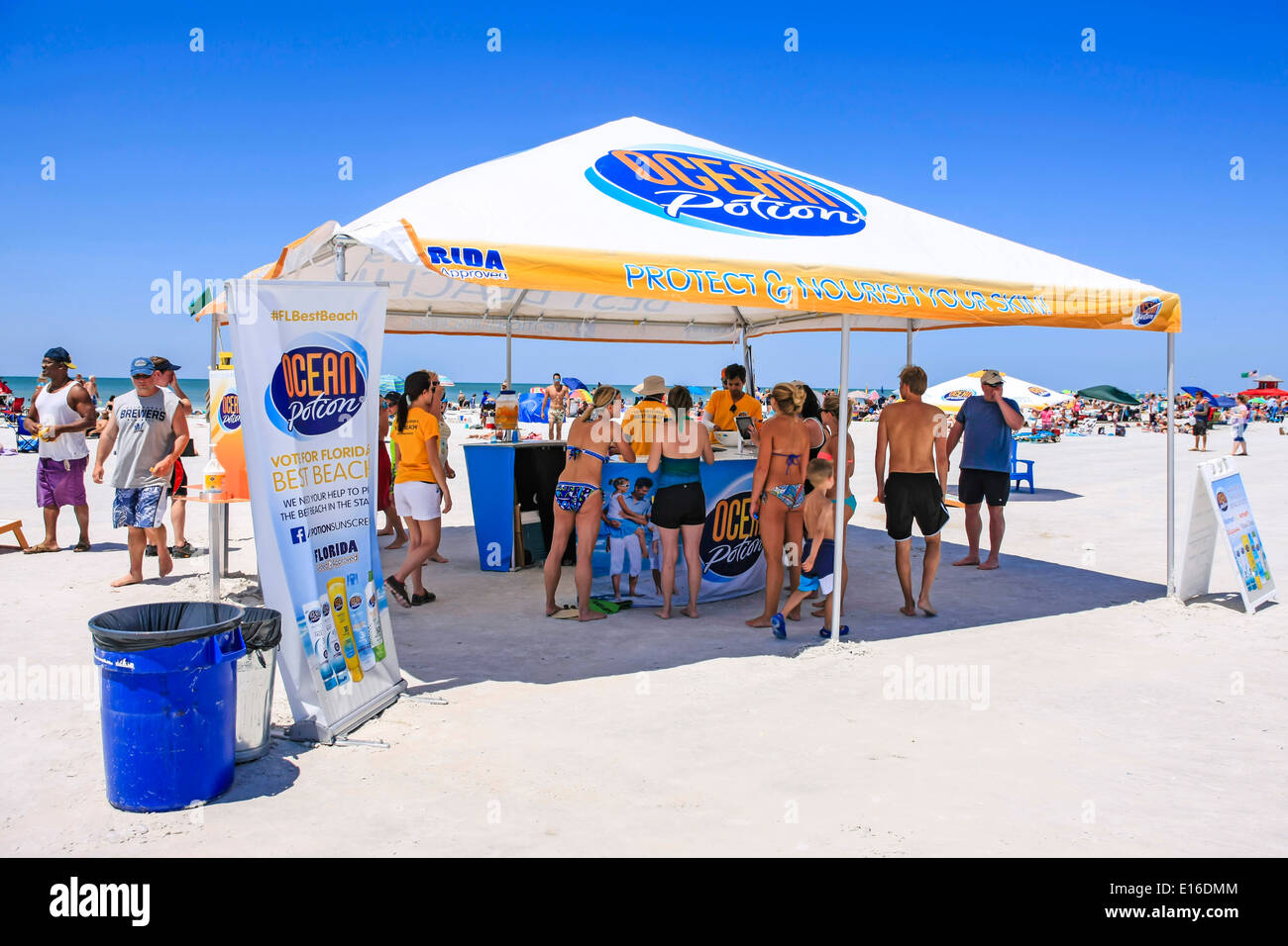 Ocean Potion skin care promotion tent on Siesta Ky beach in Florida - Stock Image