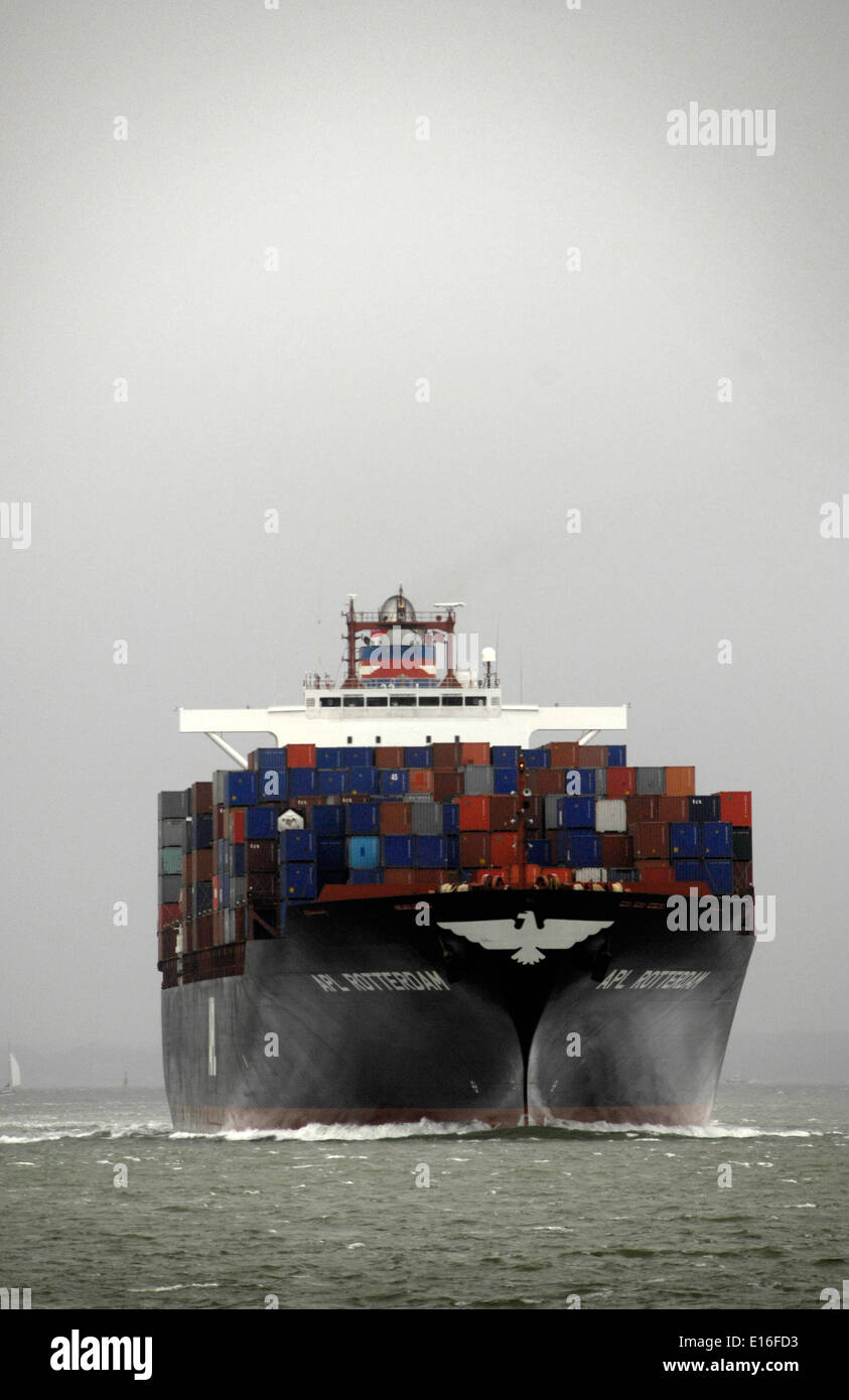 14th Sept, 2010 - SOLENT,ENGLAND. - CONTAINER SHIP APL ROTTERDAM OUTWARD BOUND FROM SOUTHAMPTON. Photo: Jonathan Stock Photo