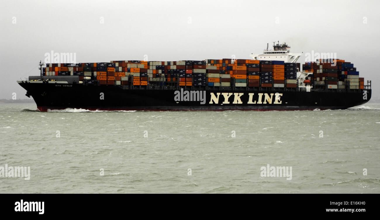 14th Sept, 2010 - SOLENT,ENGLAND. - CONTAINER SHIP NYK VENUS INWARD BOUND TO SOUTHAMPTON. Photo: Jonathan Eastland/Ajax Stock Photo