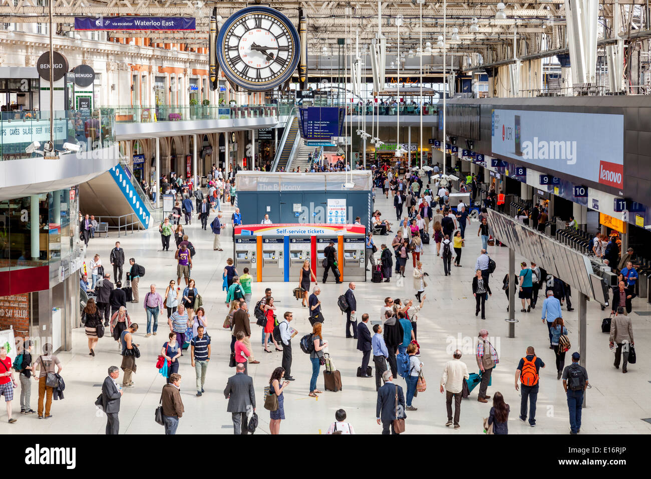 The Main Concourse At Waterloo Station, London, England - Stock Image