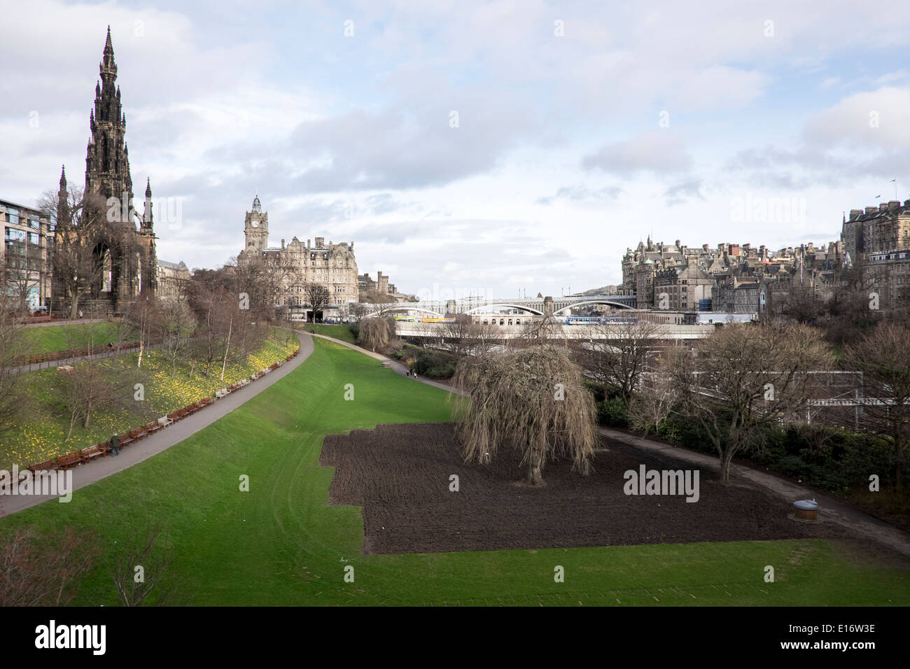 Scott Monument Edinburgh Princes Street Gardens - Stock Image
