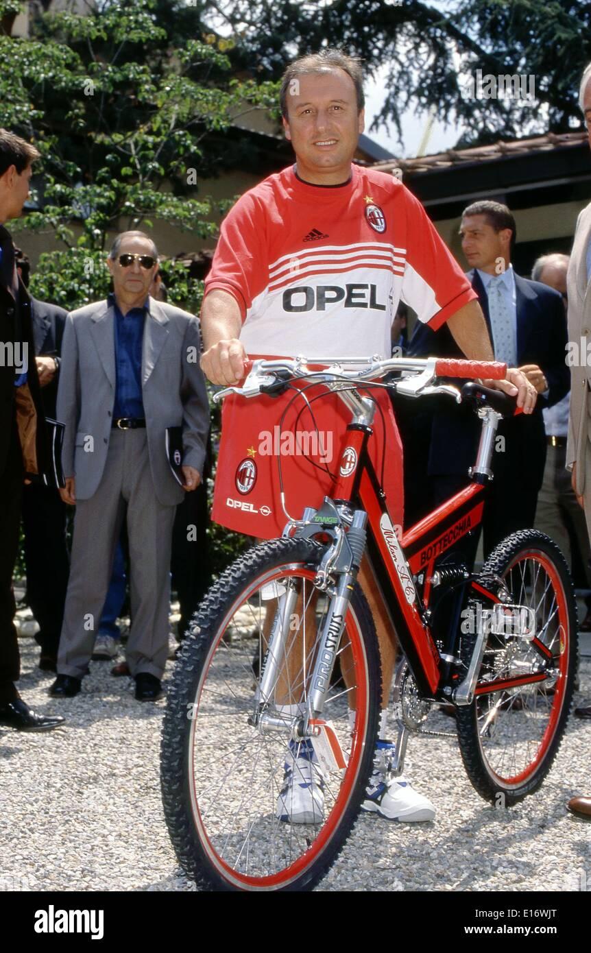 Alberto Zaccheroni (Milan), 1998/1999 - Football/Soccer : Alberto Zaccheroni, AC Milan head coach, Serie A 1998-1999 season in Italy, © Maurizio Borsari/AFLO/Alamy Live News - Stock Image