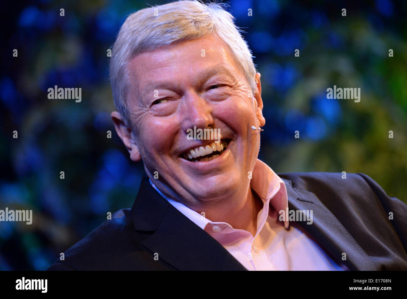 Hay on Wye, Wales UK. Sunday 25 May 2014. Former Labour cabinet member, and Orwell Prize winning author, ALAN JOHNSON ton the fourth day of the 2014 Daily Telegraph Hay Literature Festival, Wales UK photo Credit: keith morris/Alamy Live News - Stock Image