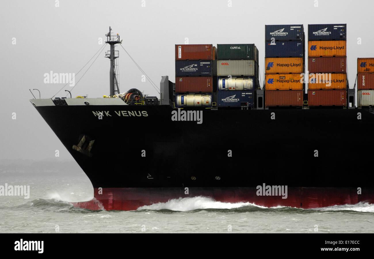 SOLENT,ENGLAND. - CONTAINER SHIP NYK VENUS INWARD BOUND TO SOUTHAMPTON. Photo: Jonathan Eastland/Ajax Stock Photo