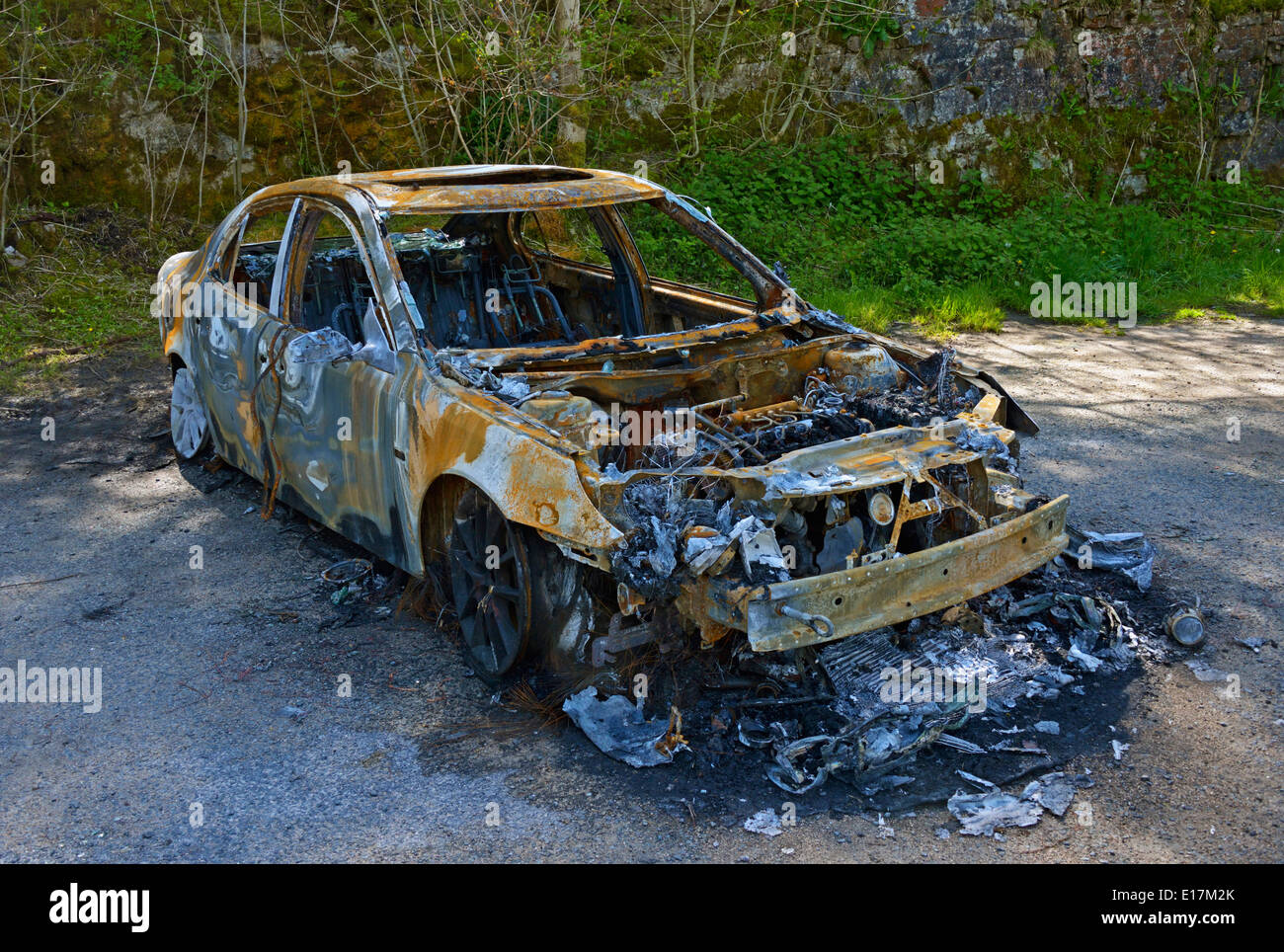 Burned-out car. Scout Scar carpark, Underbarrow Road, Kendal, Cumbria, England, United Kingdom, Europe. Stock Photo
