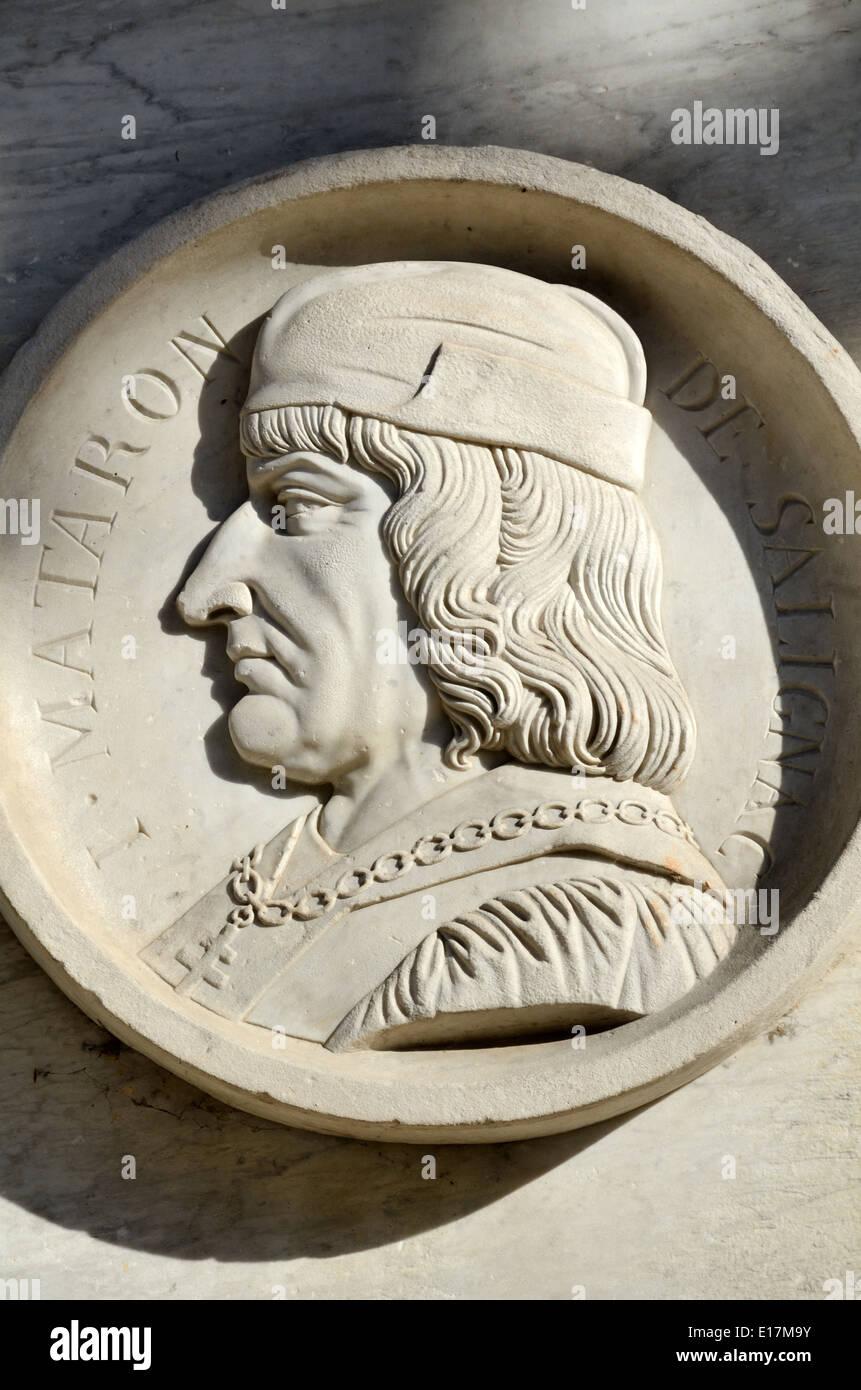 Portrait Medallion of Provençal King Rene on King Rene Statue Cours Mirabeau Aix-en-Provence Provence France - Stock Image