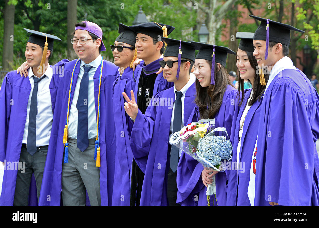 Modern Unc Cap And Gown Images - Wedding and flowers ispiration ...