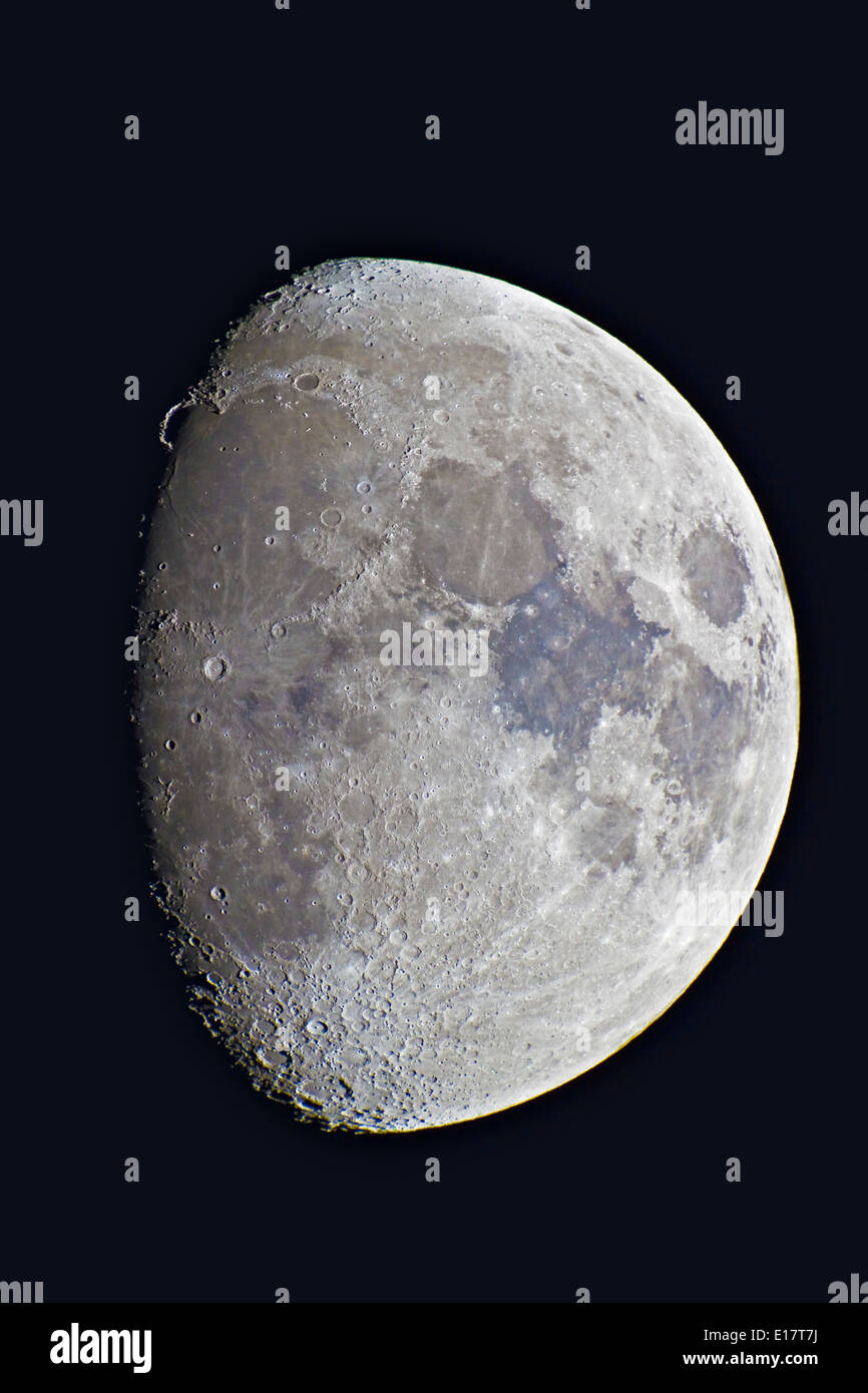 9-day-old gibbous Moon, taken April 23, 2010, with Astro-Physics 130mm apo refractor, - Stock Image