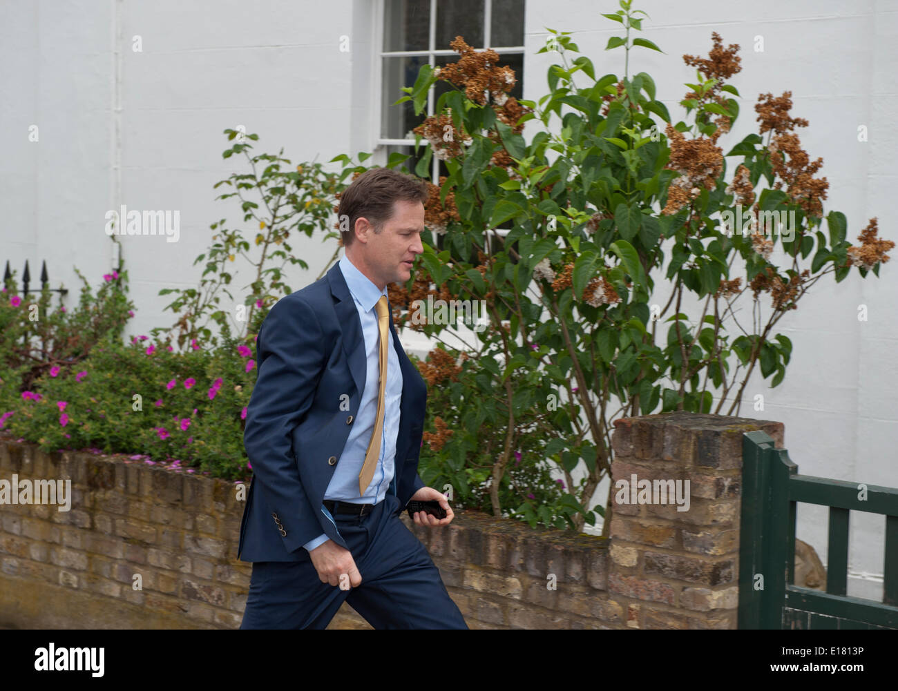 Nick Clegg deputy Prime Minister  arrives home after Euro Election defeat London Uk 26th May 2014 Credit:  Prixnews/Alamy - Stock Image