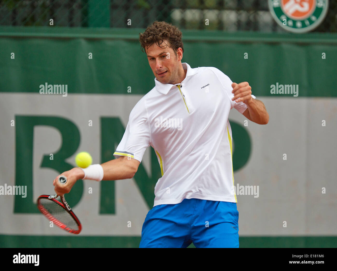 France, Paris, 26.05.2014. Tennis, Roland Garros, Robin Haase (NED) in action in his match against Nicolay Davydenko (RUS)  Credit:  Henk Koster/Alamy Live News - Stock Image
