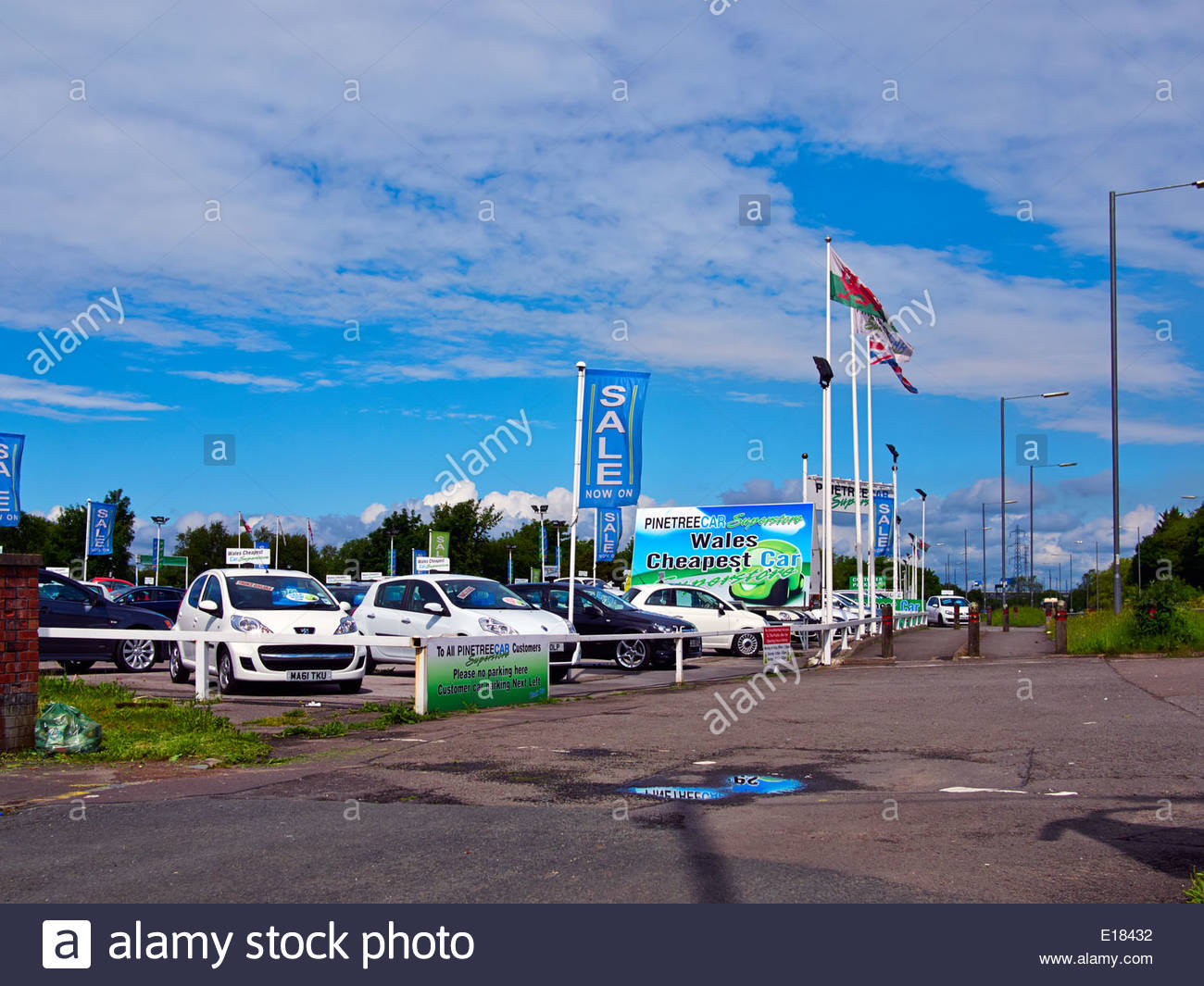 various makes of cars in pinetree garage a secondhand used car dealers in baglan port talbot south wales Stock Photo