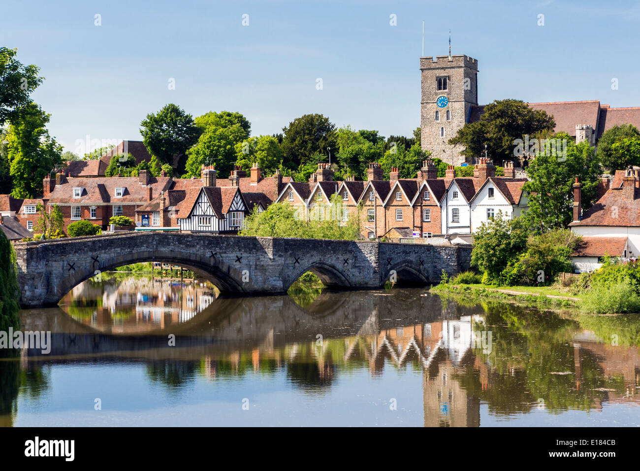 Bridge over the River Medway at Aylesford near Maidstone Kent - Stock Image