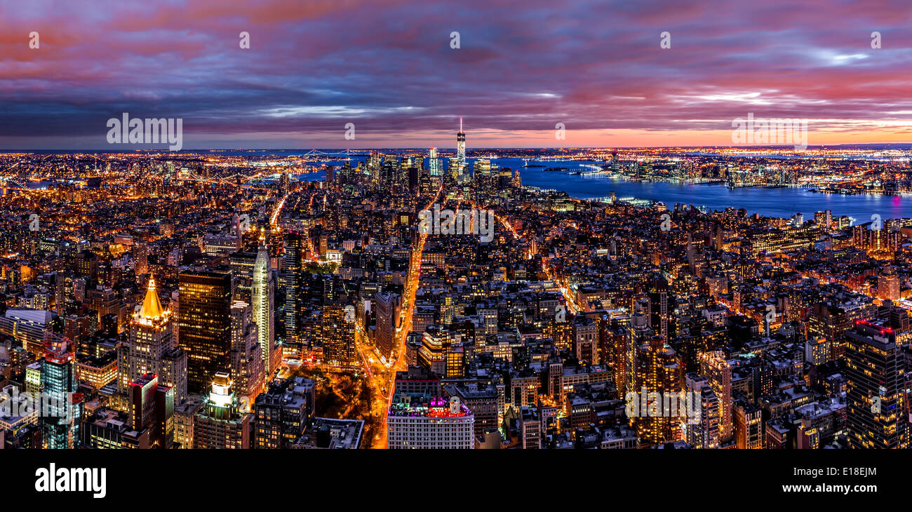 Aerial panorama of New York city at dusk - Stock Image