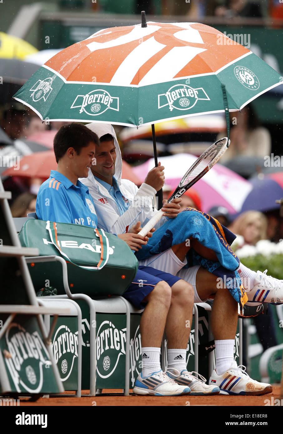 Paris 26th May 2014 Novak Djokovic R Of Serbia Holds The Stock Photo Alamy