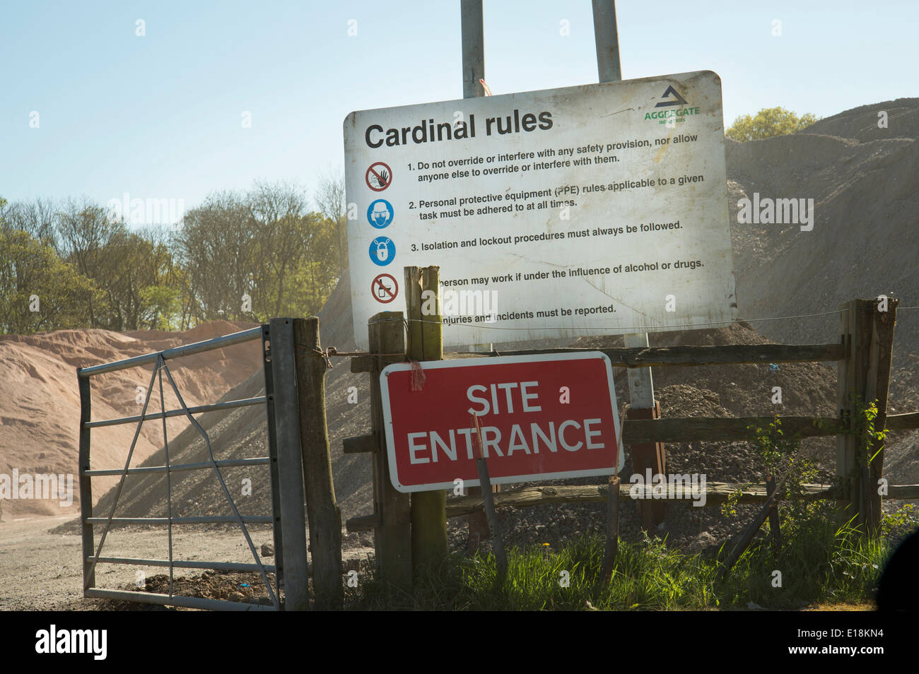 Cardinal rules sign at the entrance of an industrial depot - Stock Image