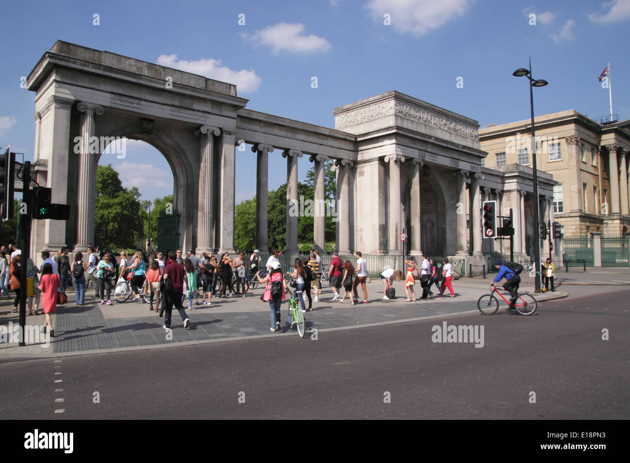 Grand Entrance to Hyde Park at Hyde Park Corner London Stock Photo ...
