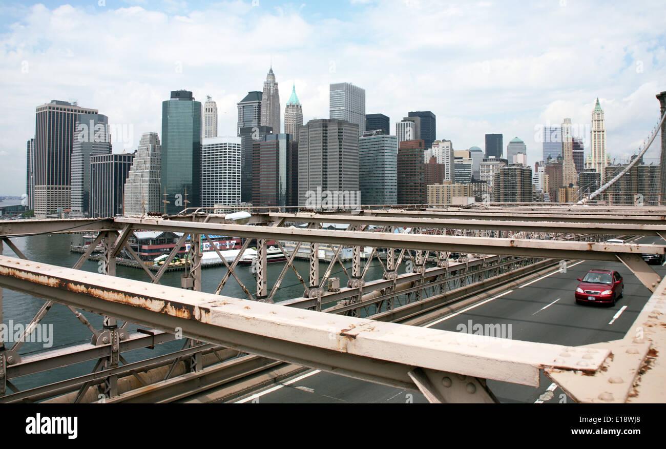 USA, New York, Architektur. Brookly Bridge und Wolkenkratzer - Stock Image