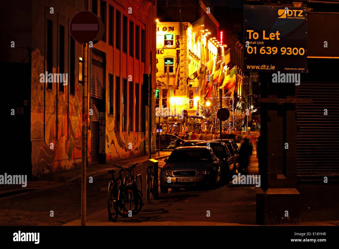 Street at night in Temple Bar, Dublin, Republic of Ireland, Europe. - May 2014 - Stock Image