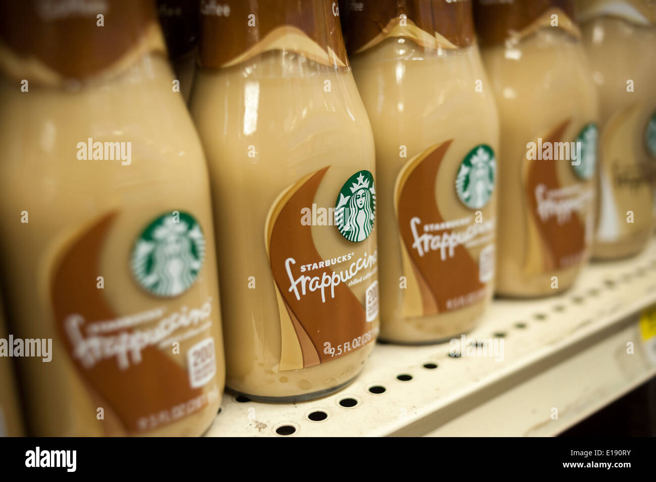 Starbucks Frappuccino Stock Photos & Starbucks Frappuccino Stock ...