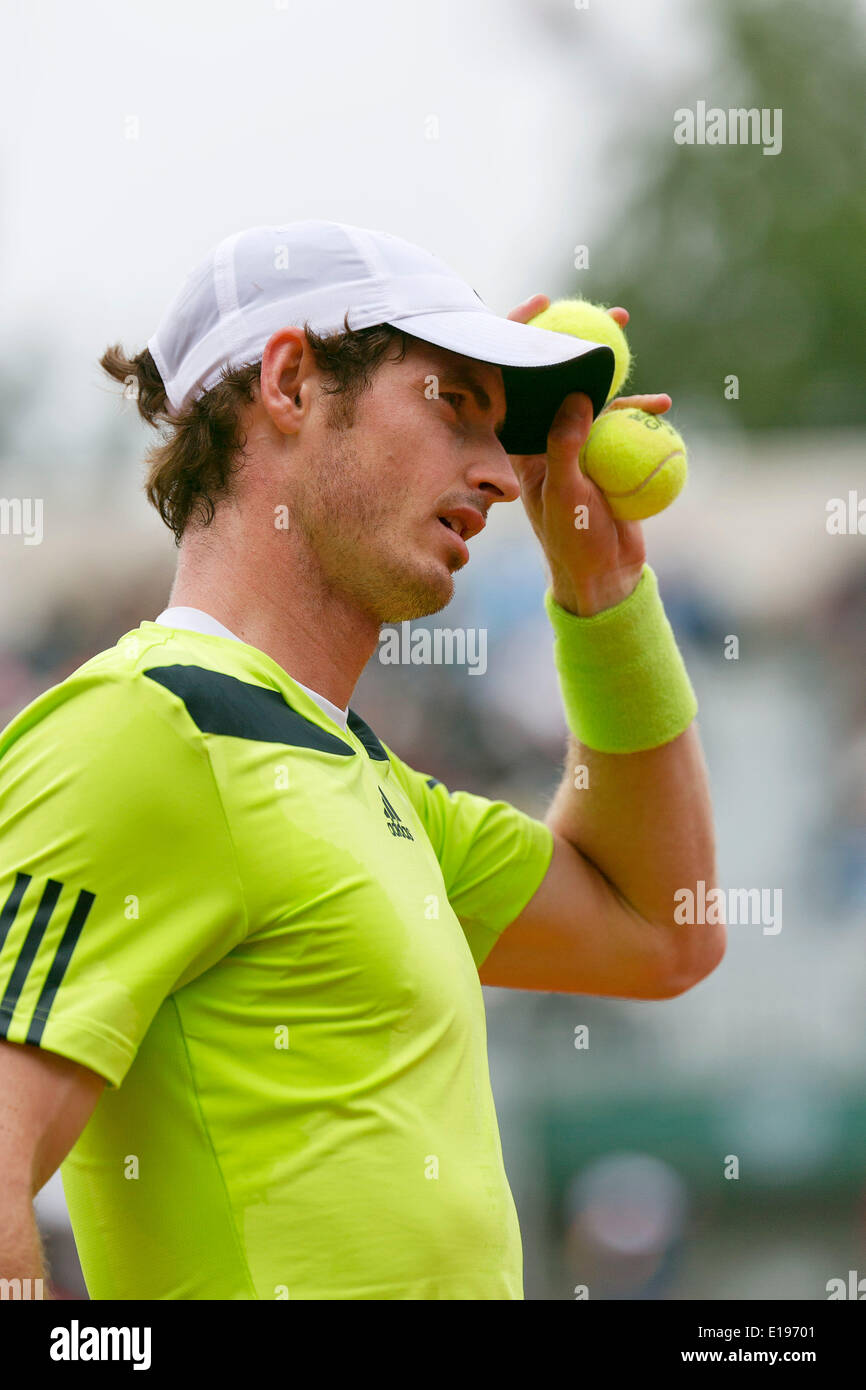 Paris, France. 27th May 2014. Tennis, French Open, Roland Garros, Andy Murray (GBR) in his match against Andrey Golubev (KAZ) Photo:Tennisimages/Henk Koster/Alamy Live News Stock Photo