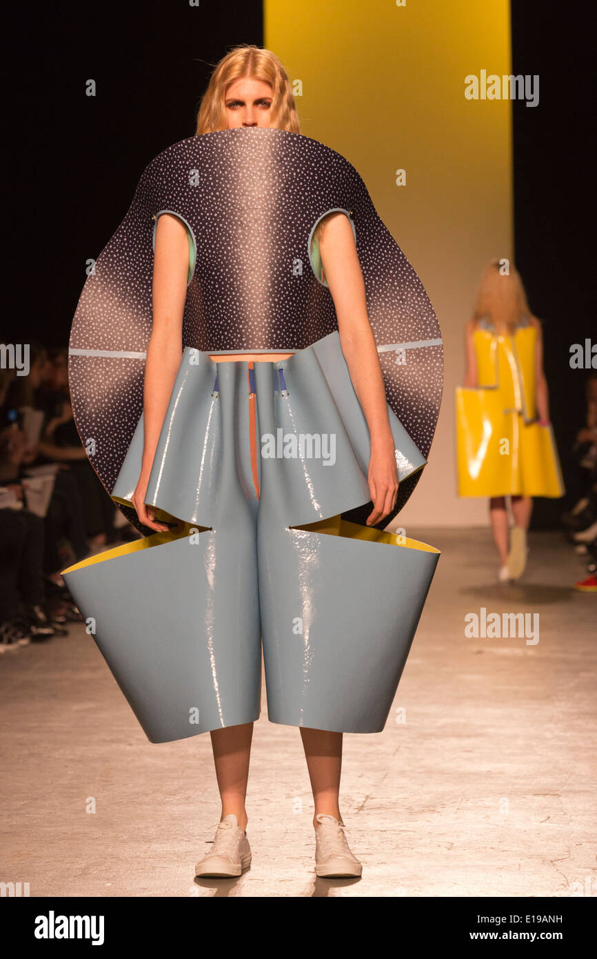 Fashion Design Ba Hons Runway Show At The University Of Stock Photo Alamy