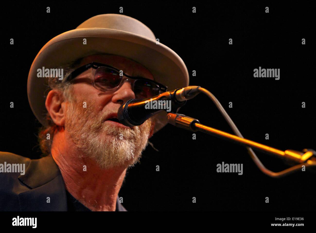 Italian singer and songwriter Francesco De Gregori performing in 2011 concert Stock Photo