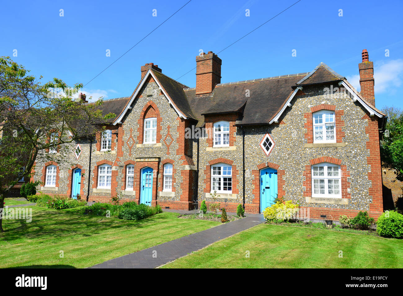 Stone cottages, Swakeley Road, Ickenham, London Borough of Hillingdon, Greater London, England, United Kingdom - Stock Image