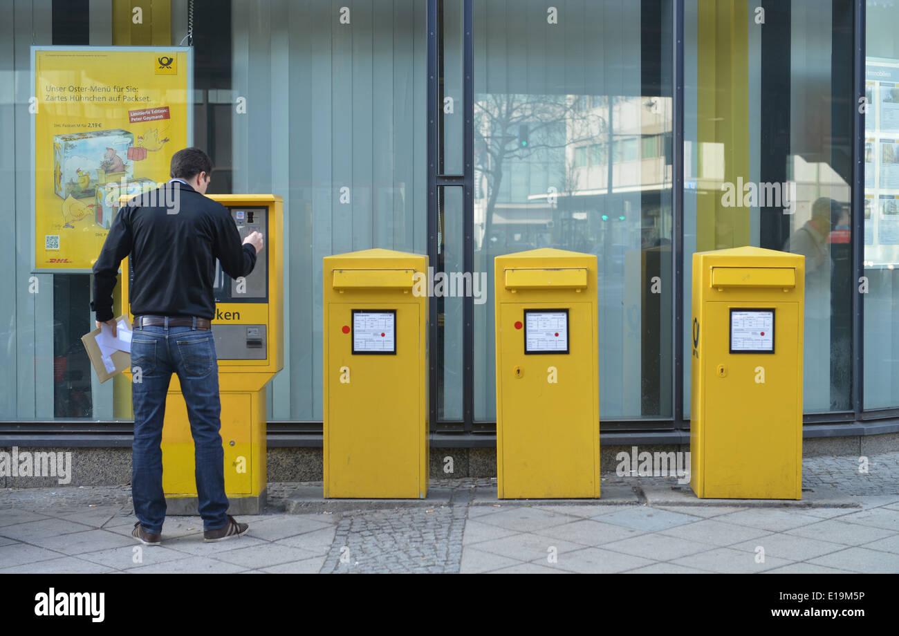 Briefkaesten, Schlossstrasse, Steglitz, Berlin, Deutschland / Briefkästen Stock Photo