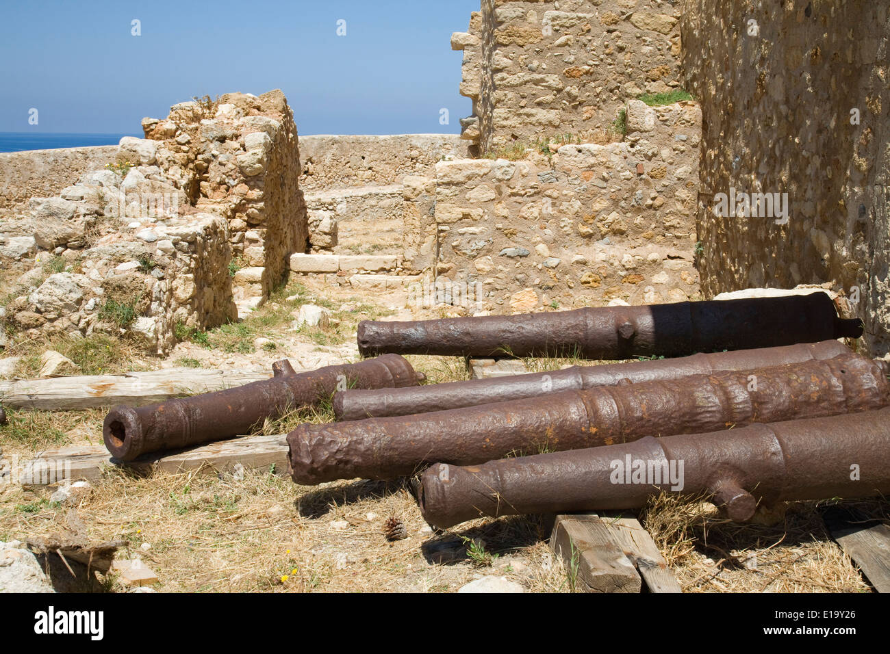 Cannons outside the Councillors' Residence in fortetza, Rethymnon, Crete. Stock Photo