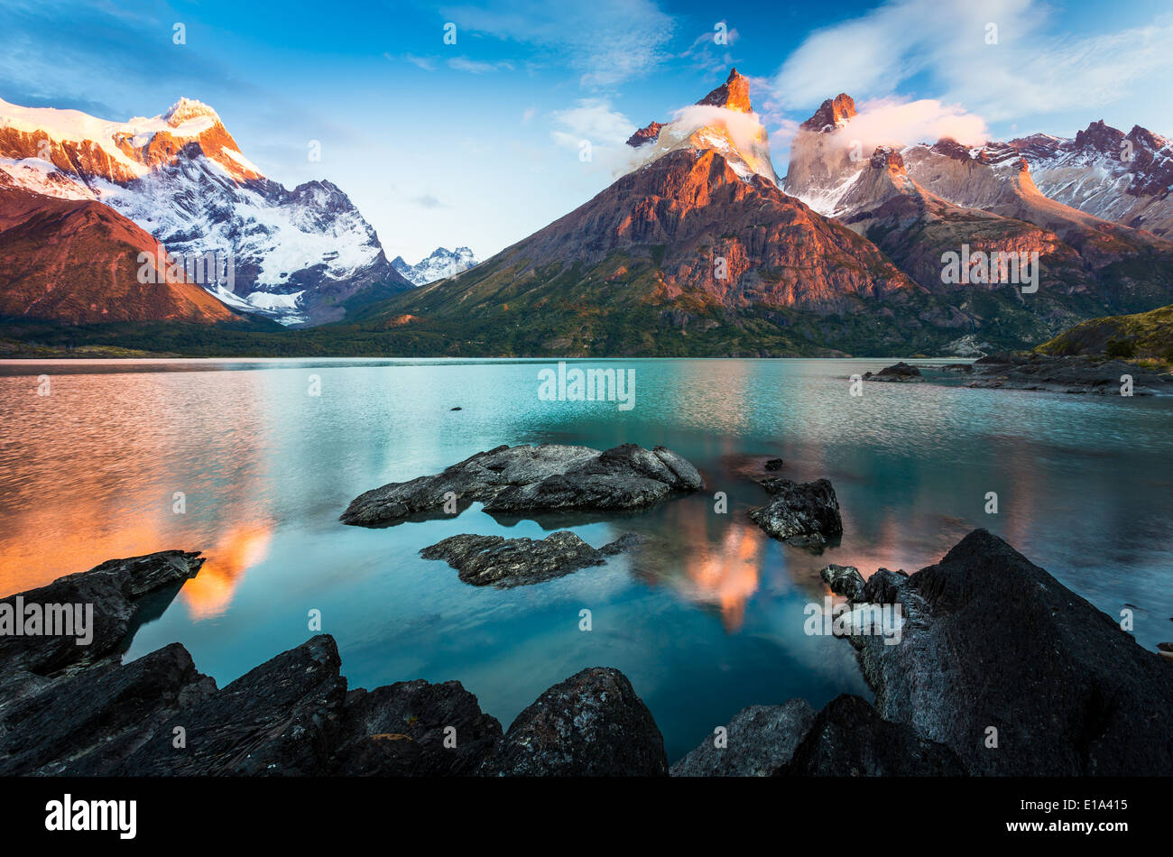 Los Cuernos reflecting in Lago Nordenskjold, Torres del Paine, Chilean Patagonia - Stock Image