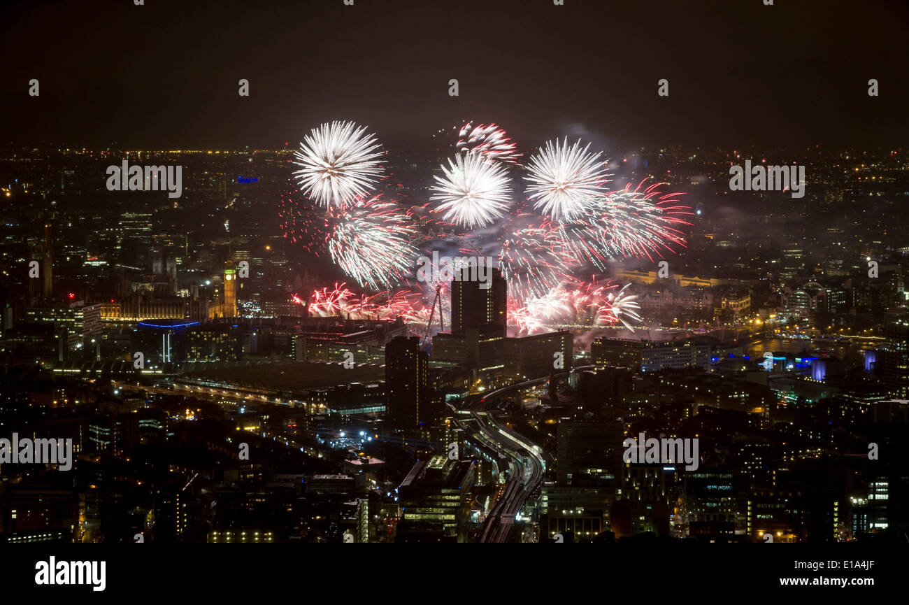 NEW YEAR'S EVE PARTY AT THE SHARD FIREWORKS THE VIEW AS SEEN FROM THE SHARD - Stock Image