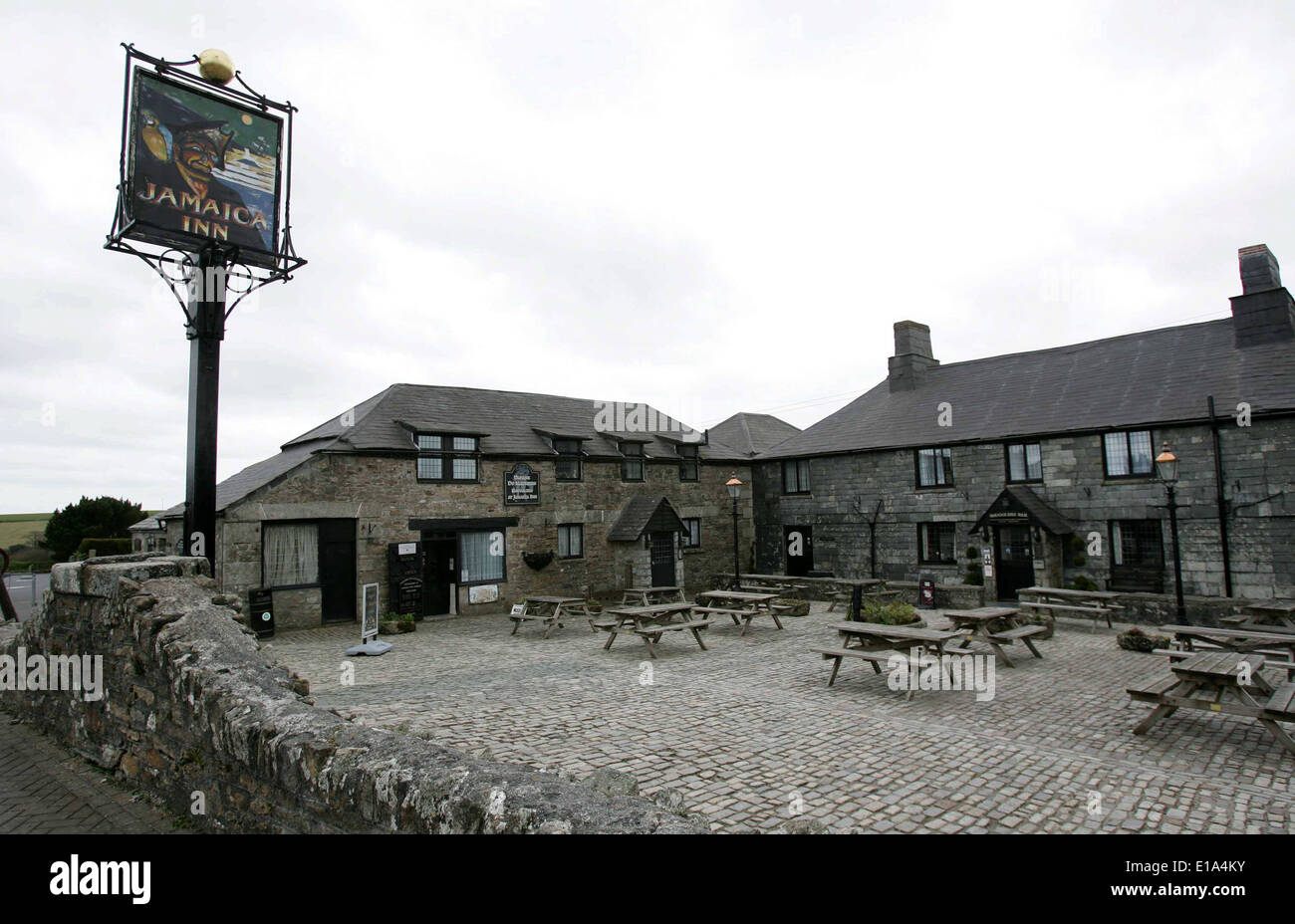 The historic 'Jamaica Inn' pub made famous by author Daphne du Maurier - Stock Image
