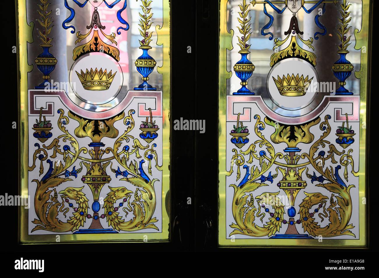 UK, Northern Ireland, Belfast, The Crown Liquor Saloon, stained glass door, - Stock Image