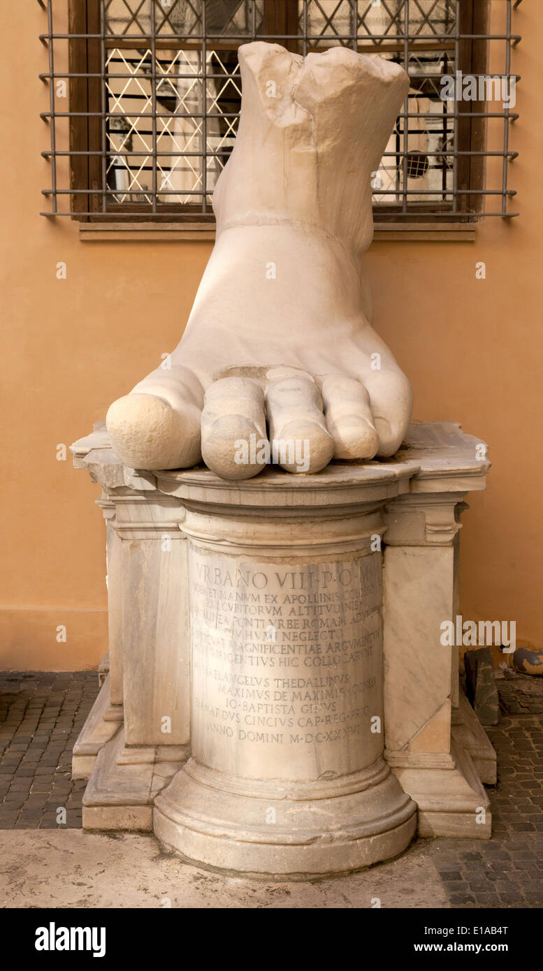 Enormous foot sculpture from the Statue - the Colossus of Constantine, 4th Century AD; the Capitoline Museum, Rome Stock Photo