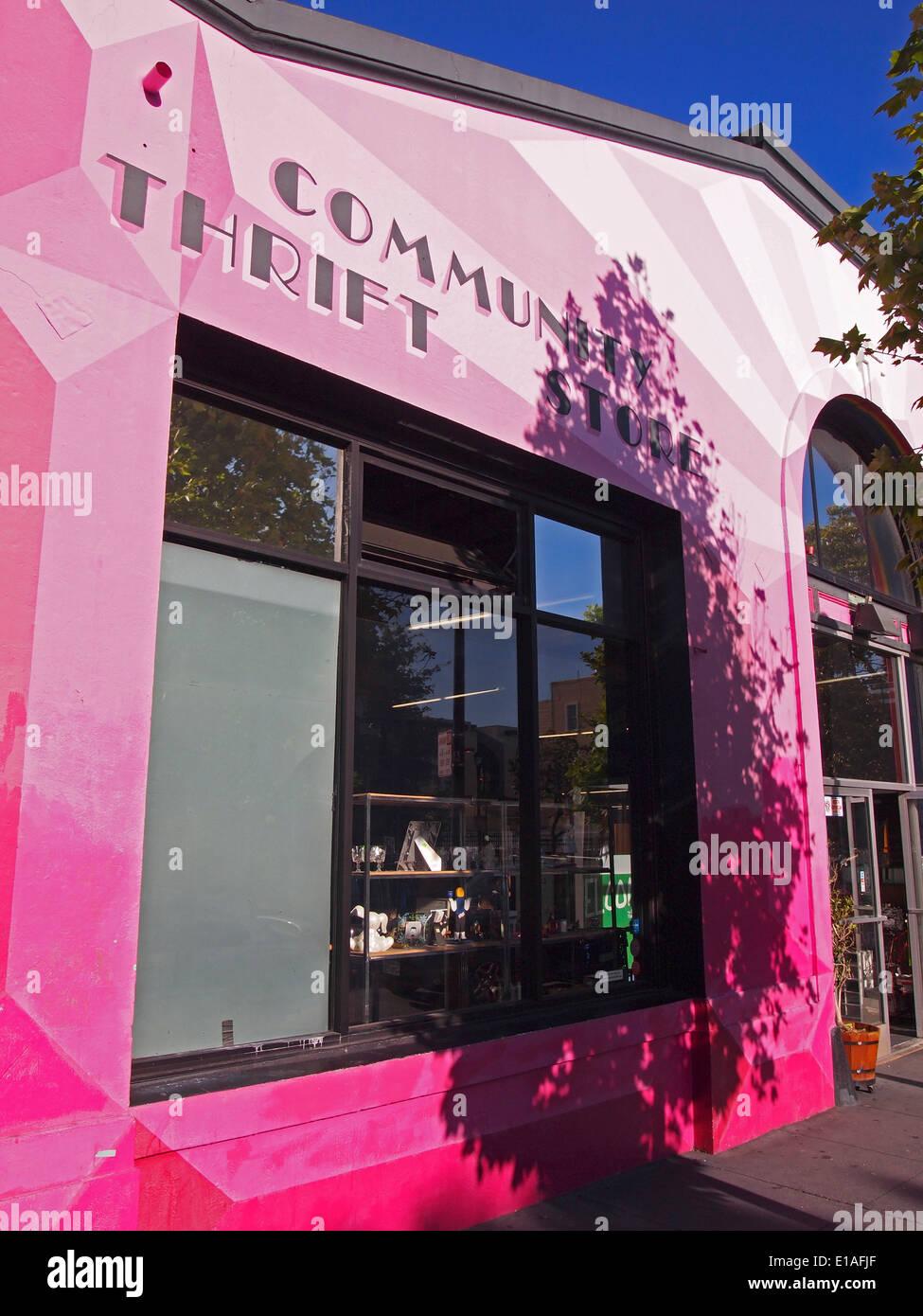 Community Thrift Store on Valencia Street San Francisco - Stock Image