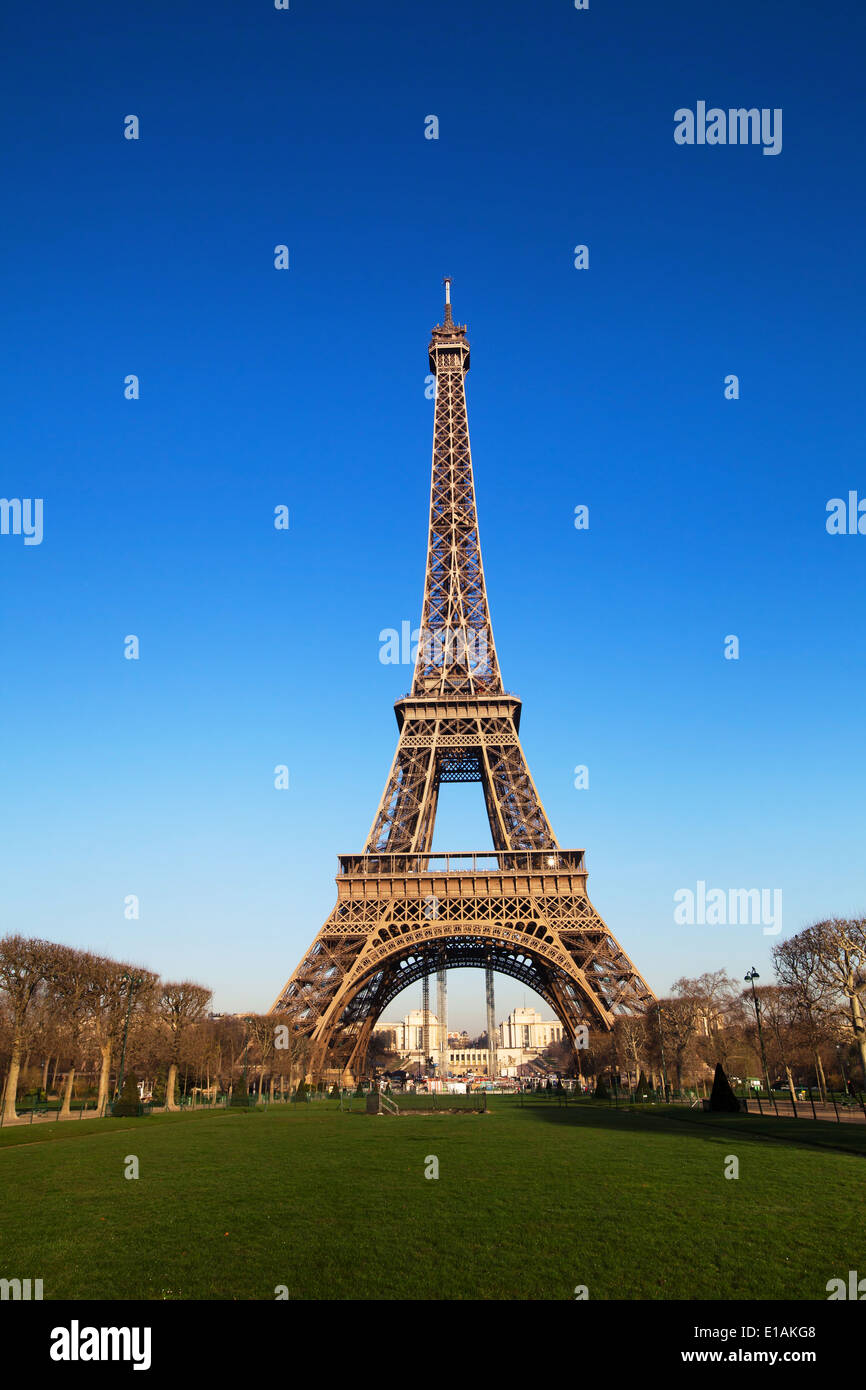 Eiffel Tower in Paris, France, classic view - Stock Image