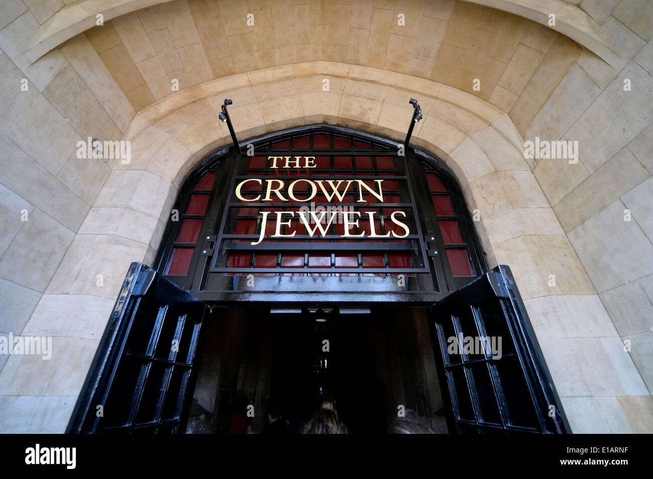 Entrance to the Waterloo Barracks with the Jewel House, Tower of London, UNESCO World Heritage Site, London, England - Stock Image
