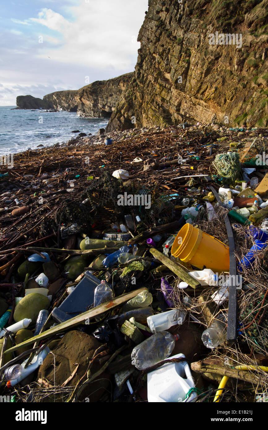 Marine litter on shore, Orkney isles - Stock Image