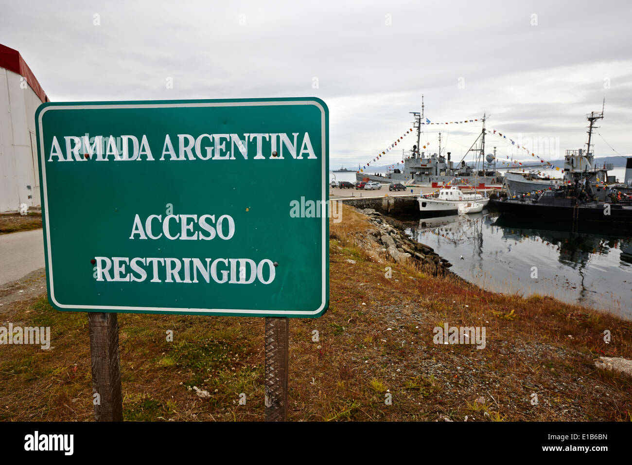 restricted entry warning signs at armada argentina argentine naval base almirante berisso Ushuaia Argentina - Stock Image