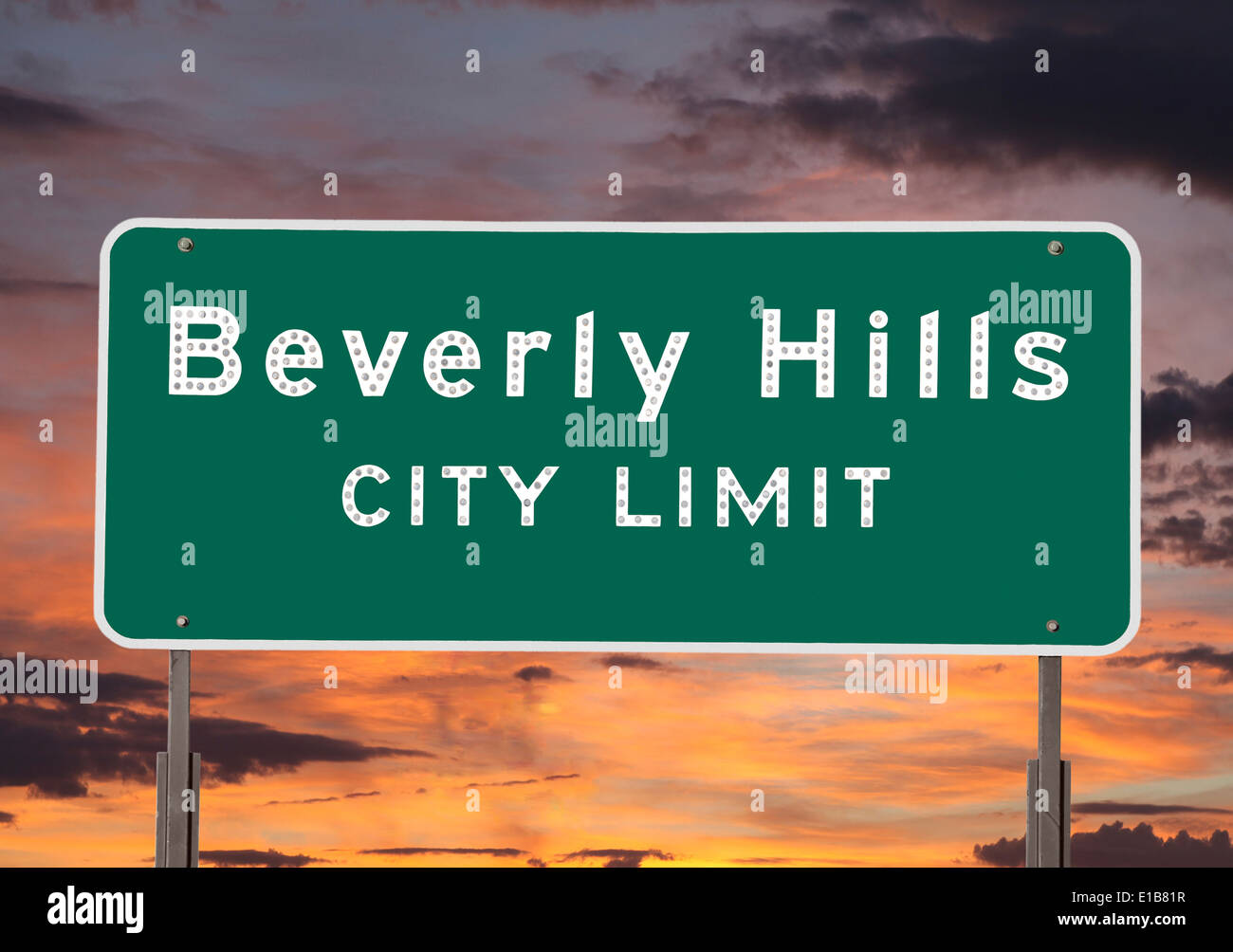 Beverly Hills city limits sign with sunset sky. - Stock Image