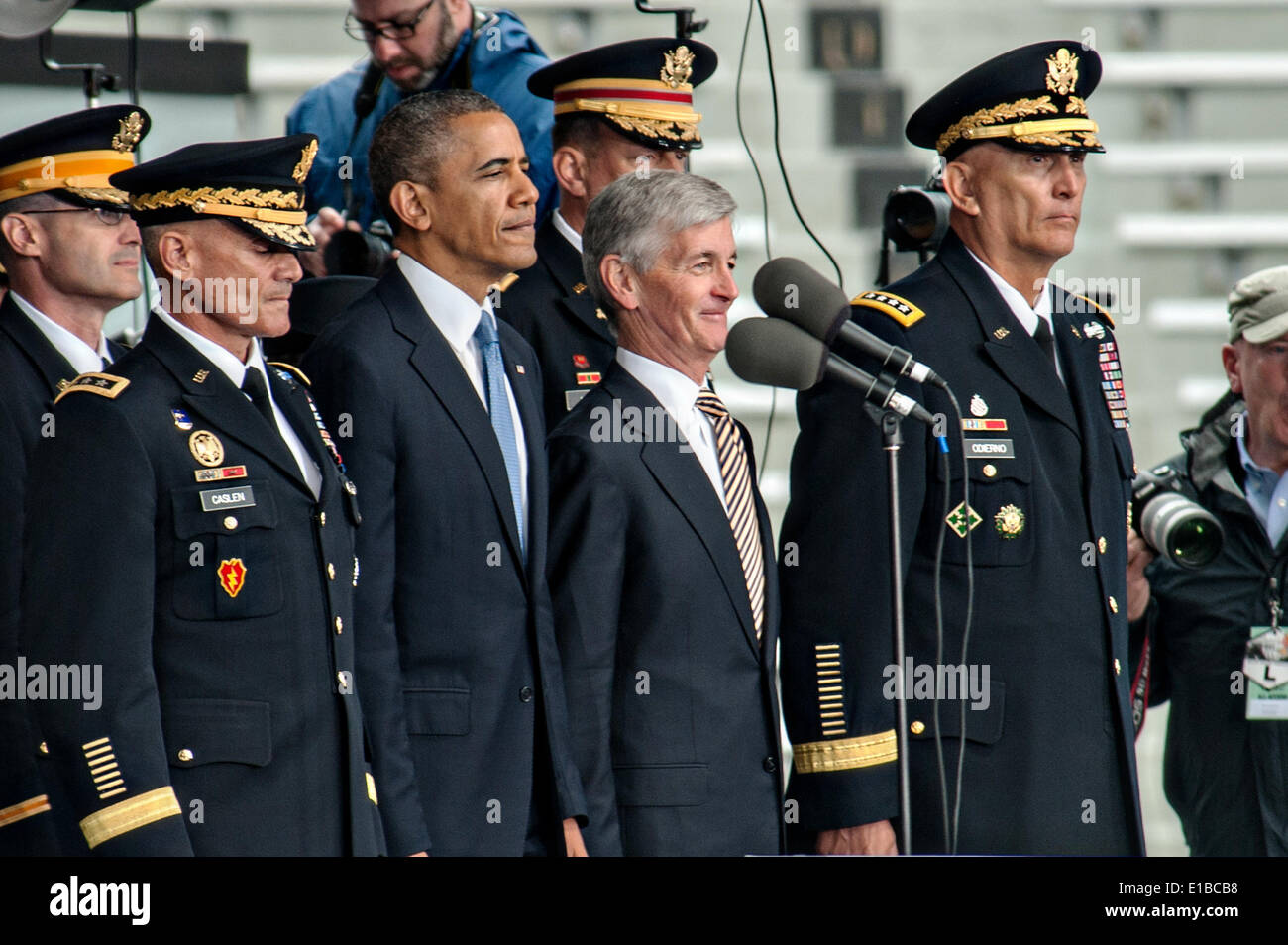 Us President Barack Obama Stand With L To R Lt General