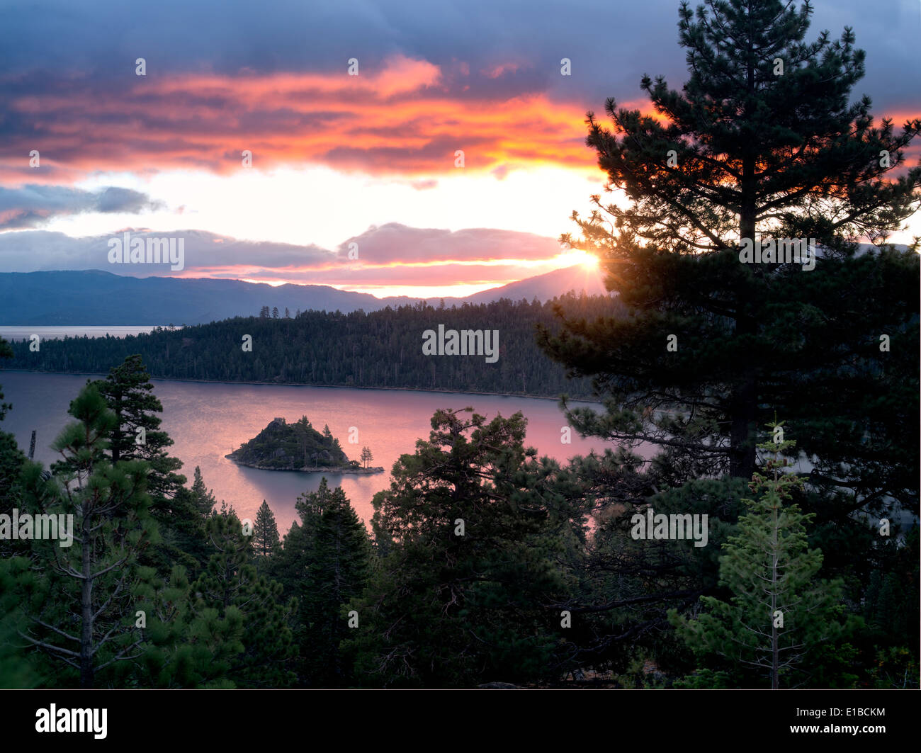 Sunrise over Emerald Bay with Fannette Island, Lake Tahoe, California. - Stock Image