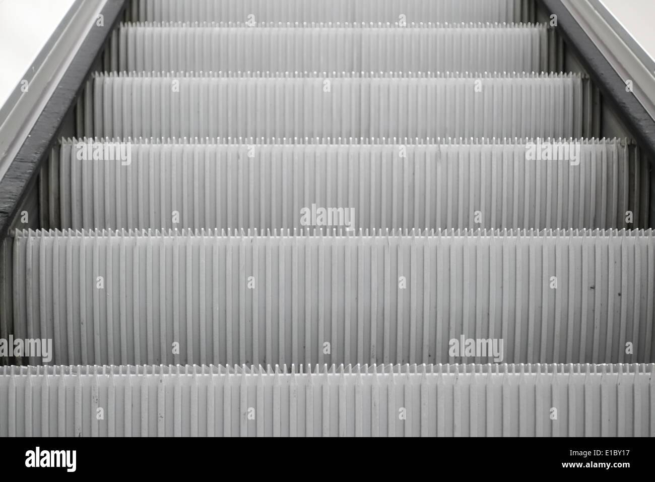 Rolltreppe im Flughafen München.. - Stock Image