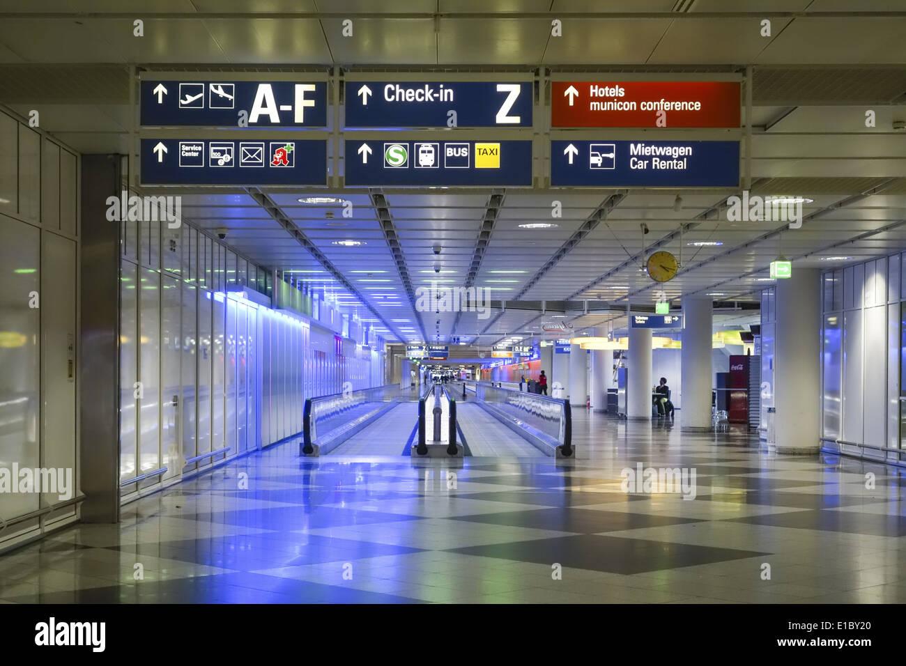 laufband am terminal 1 flughafen m nchen bayern deutschland stock photo 69718824 alamy. Black Bedroom Furniture Sets. Home Design Ideas