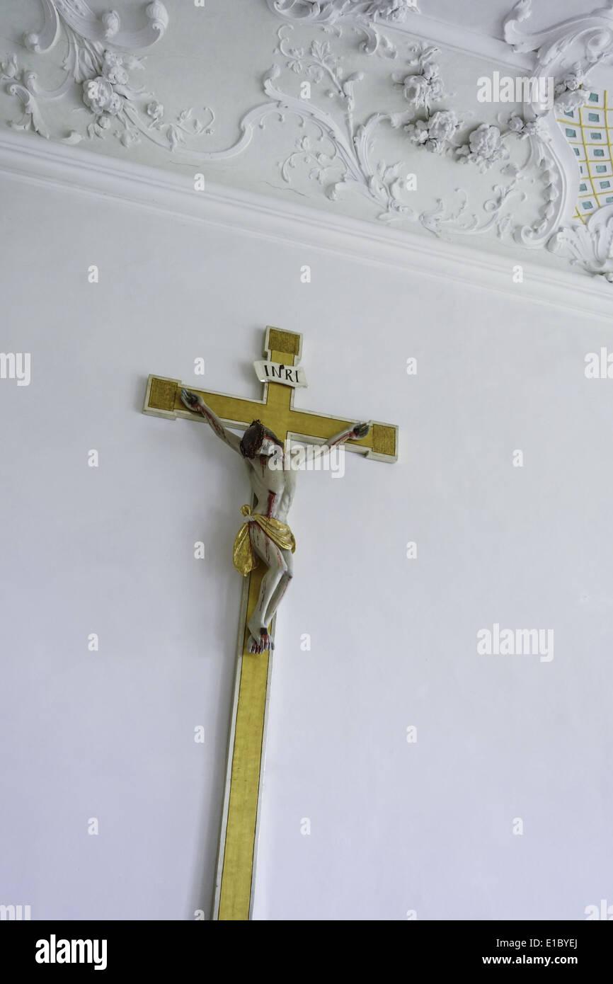 Kruzifix im Kloster Benediktbeuern, Oberbayern, Bayern, Deutschland - Stock Image
